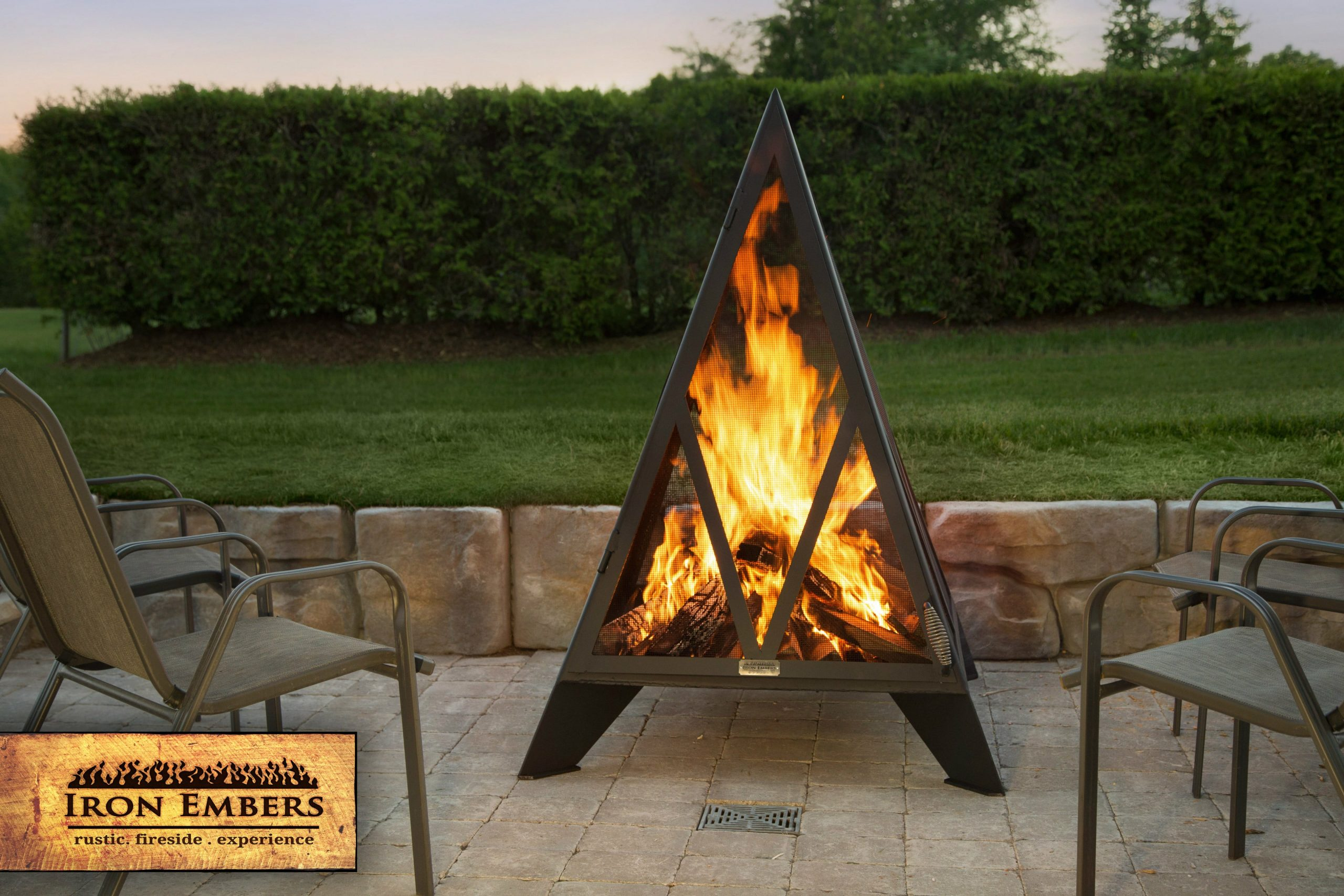 5′ Pyramid Outdoor Fireplace